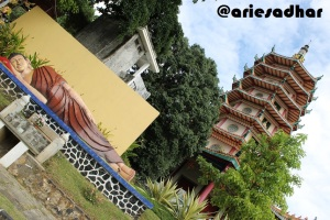 Patung Budha dan Pagoda