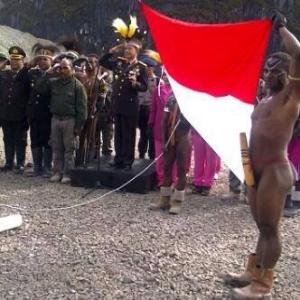 Upacara bendera di Tembaga Pura