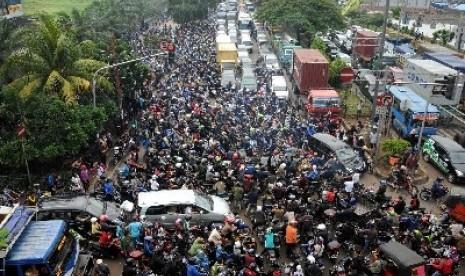 kemacetan-parah-di-jakarta-_120408144650-441