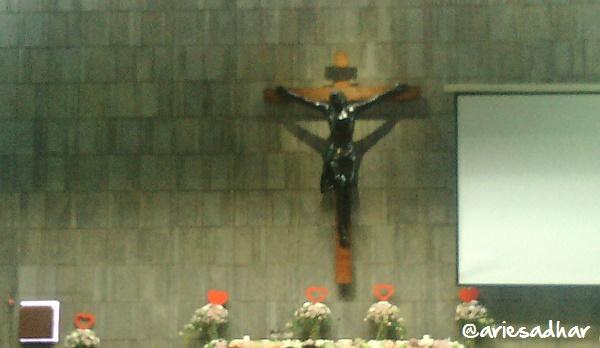 Melihat Cinta Di Gereja Santa Ariesadhar Com