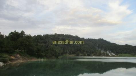 Danau LinowTempatNongkrongZaman Now (1)