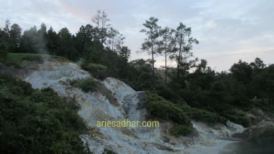 Danau LinowTempatNongkrongZaman Now (2)